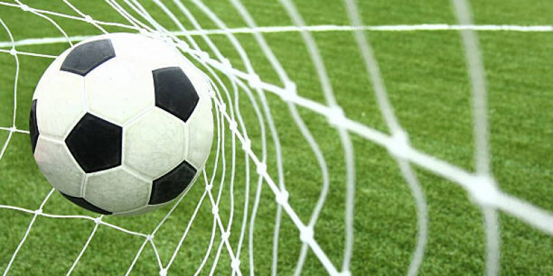 fudbalska-lopta-mreza