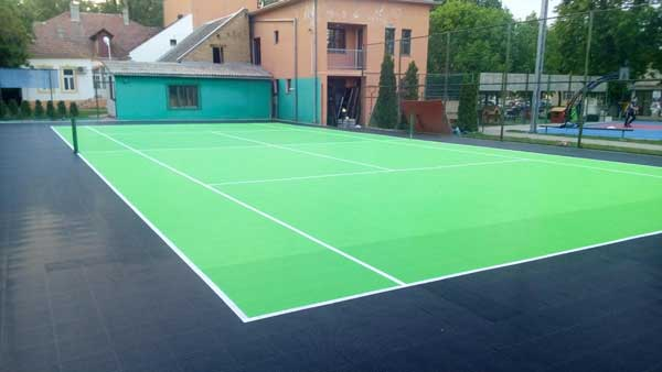 Nov teniski teren